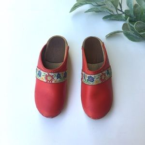Hanna Andersson Girls Red Embroidered Clog Mules